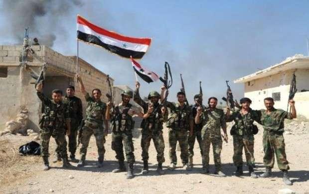 داعش در «الحجر الأسود» قیچی شد