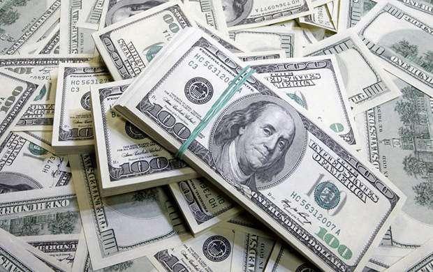 دستگیری قاچاقچی ارز بابیش از ۵۷هزار دلار در قم