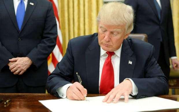 ترامپ تحریم مداخلهکنندگان در انتخابات را امضا کرد