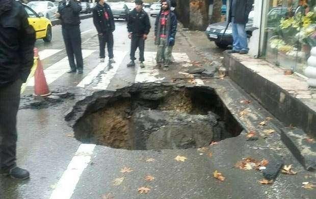 نشست زمین در خیابان مولوی تهران