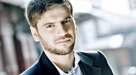 خواننده مورد حمایت وهابیها پس از اسرائیل به ایران میآید؟!