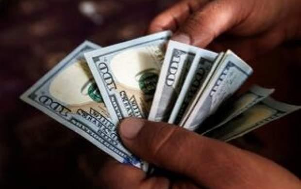 دلار دوباره پلههای صعود را طی میکند