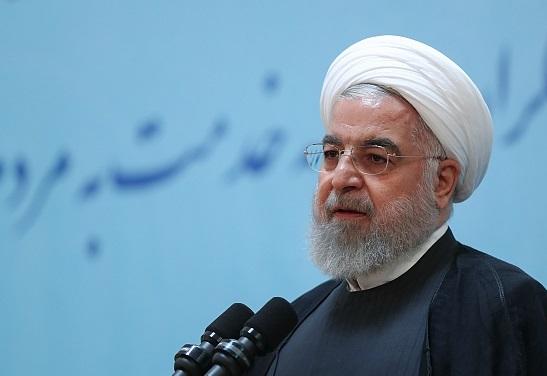 روحانی: امام در چهار سال پایانی عمرشان اختیارات فراوانی به دولت داد/ تا زمانی که اختیارات دولت بالا نباشد، مردم زندگی خوشی نخواهند داشت/ فساد با «بگیر و ببند» و «دادگاه» از بین نمیرود