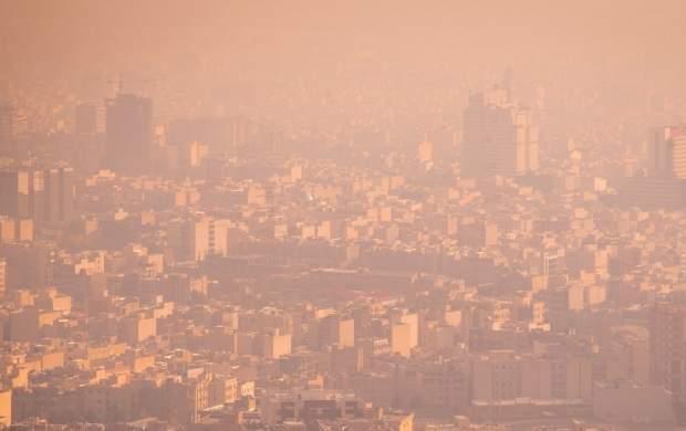 معضل آلودگی هوای تهران ادامه دارد/ چرا راهکارهای حناچی یک شوخی تلخ در حوزه شهری است؟