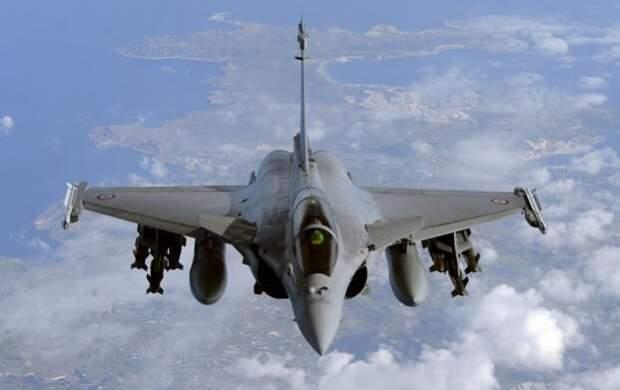 هند ۳ فروند جنگنده رافائل از فرانسه تحویلگرفت