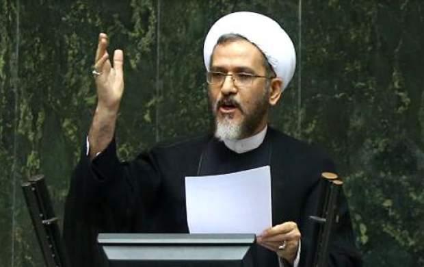اگر احمدی نژاد انتخاب نمیشد الان از کشورهای همسایه جلو بودیم/ برجام نگاه دنیا را به ما تغییر داد/ به احترام دیپلماسی ما کلاه از سر برداشتند/ افراطیون داخلی به خاطر کینههای سال ۸۸ نمیخواستند روحانی موفق شود!