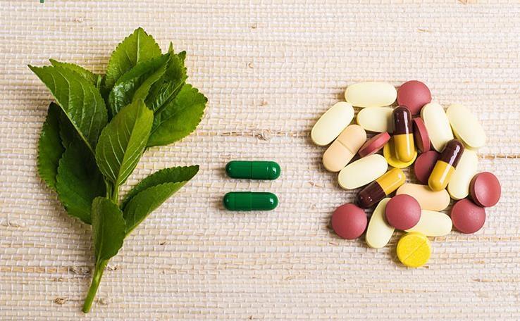 نقش طب سنتی در شکست کرونا چیست؟/ تجربه چینیها چه میگوید؟/ چرا نگاه به طب سنتی در ایران حاشیهای و پایین دستی است؟