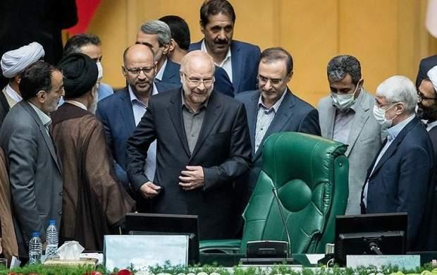 قالیباف با ۲۳۰ رای رئیس مجلس شد/ قاضی زاده و نیکزاد نواب رئیس شدند/ اسامی ناظران و دبیران هیات رئیسه