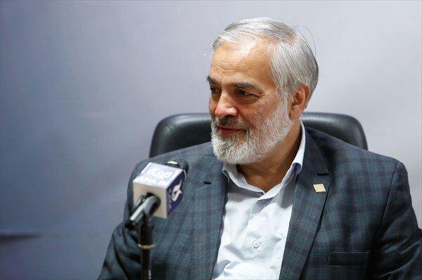 احمدی نژاد هیچ اعتقادی به «ولایت فقیه» ندارد/ برای خودش رسالت جهانی قائل میشود!