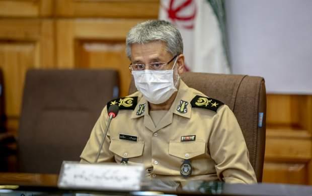 امیر سیاری: ارتش و سپاه یک مشت هستند