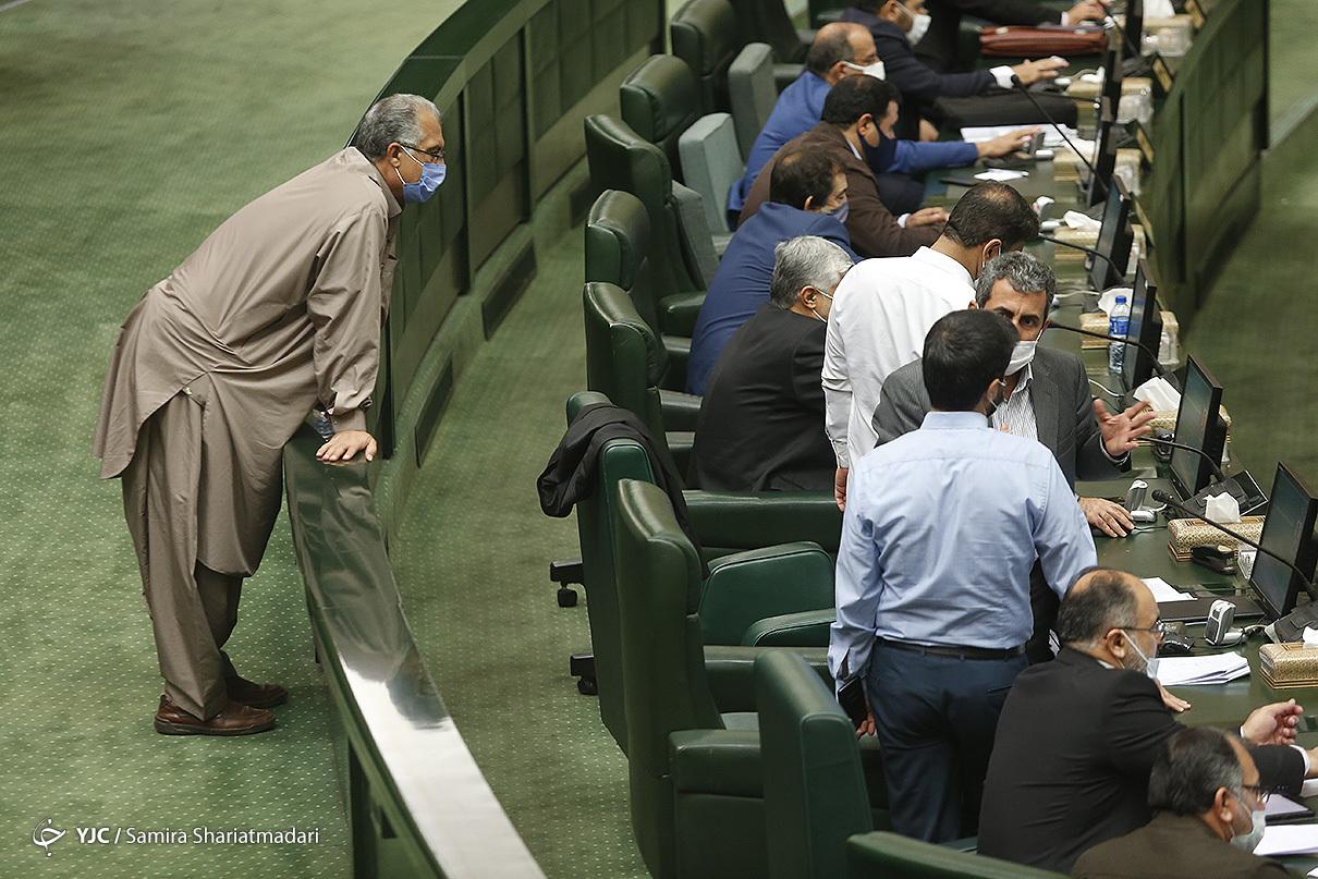 حضور فرمانده در مجلس
