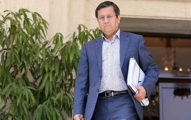 همتی: خرید اسکناس در بازار ارز به حداقل رسید
