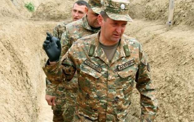 وزیر دفاع دولت خودخوانده قرهباغ برکنار شد