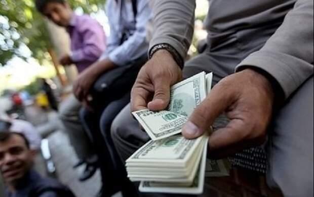 کشف ۳ هزار دلار تقلبی در تهران