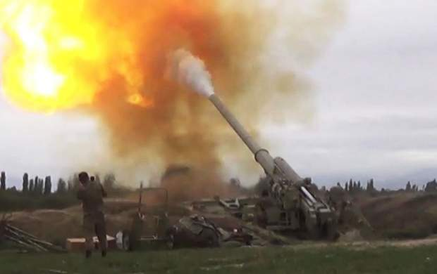 ارمنیهای قرهباغ خانههای خود را آتش زدند