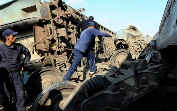 برخورد قطار مسافری و باری در قزوین