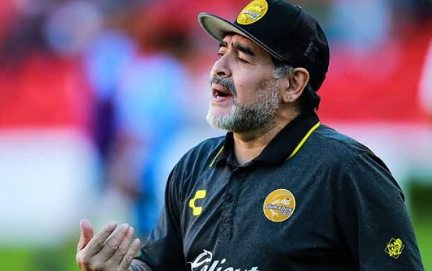 اتفاقی که در لحظه انتقال جسد مارادونا افتاد