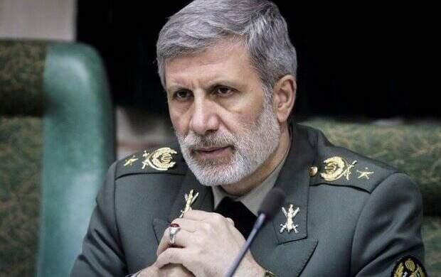درخواست همسر شهید فخری زاده از وزیر دفاع