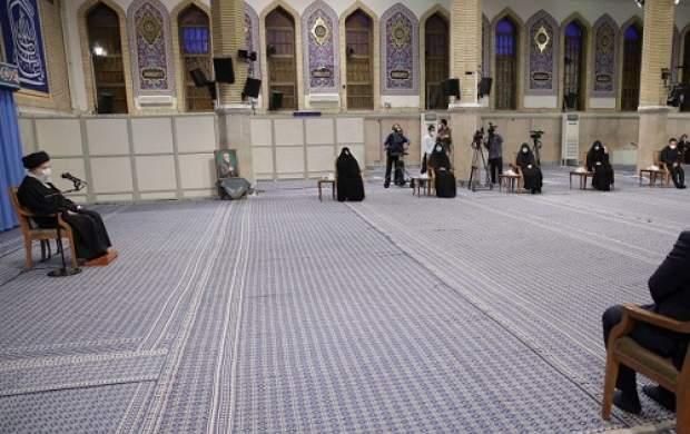 ترجمه آیه نصب شده در حسینیه امام خمینی(ره)