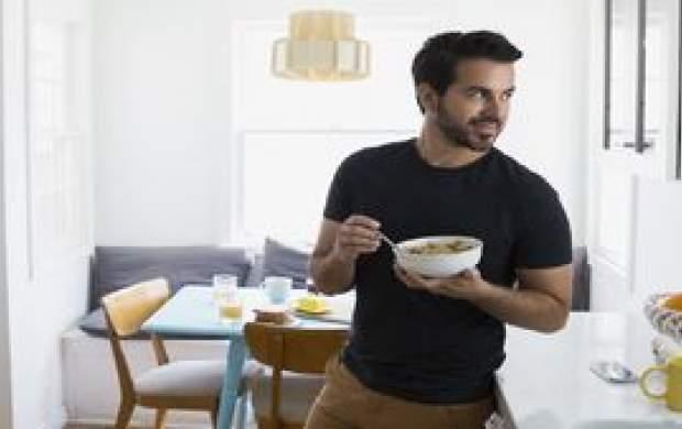 آیا ایستاده غذاخوردن بد است؟