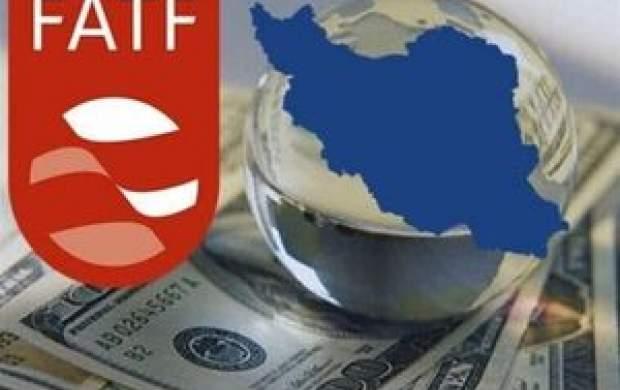 ایزدخواه: بانکها از تحریمهای آمریکا میترسند