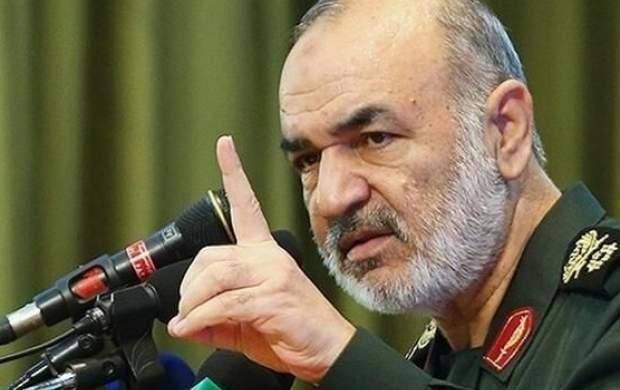 سردار سلامی: اراده دشمنان را در نطفه خفه میکنیم