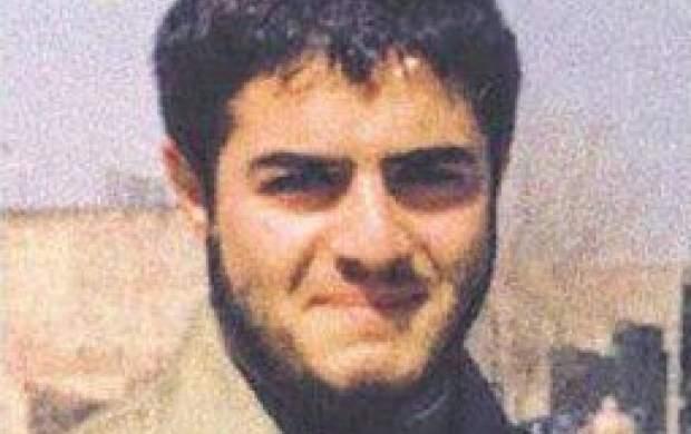 یک روحانی که دست به سلاح شد +عکس