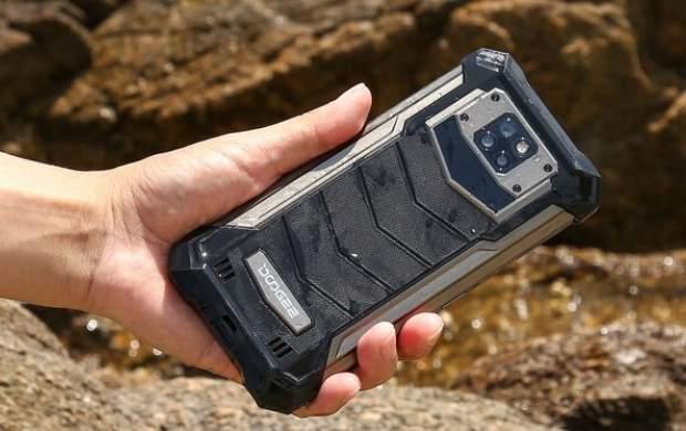 تولید موبایل جان سخت با باتری ۱۰ هزار میلی آمپری
