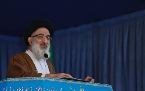 آمریکا توئیت فارسی میزند، یک عده اینجا ذوقمرگ میشوند