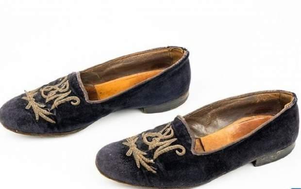 قیمت باورنکردنی کفشهای چرچیل +تصاویر