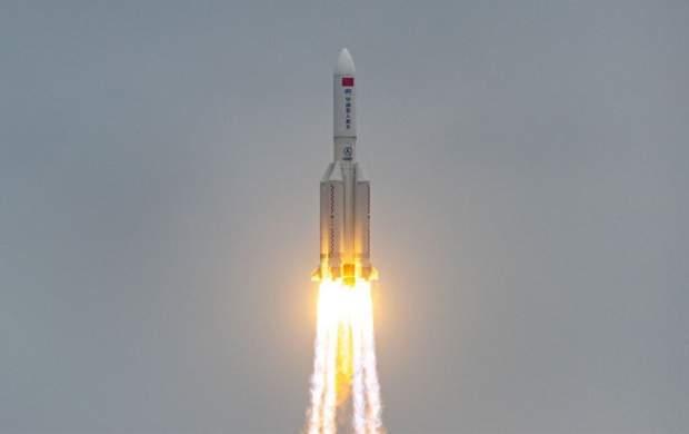 زمین در انتظار سقوط کنترل نشده یک موشک