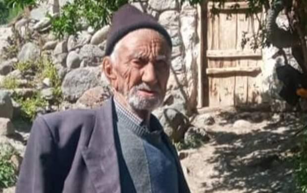 تزریق واکسن کرونا به پیرمرد ۱۳۴ ساله +عکس
