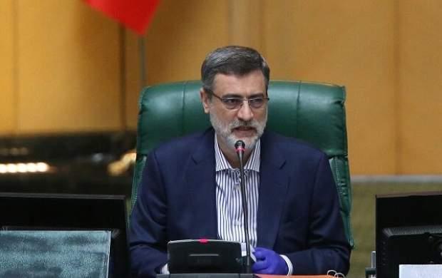 قاضی زاده هاشمی: دولت همه چیز را رها کرده