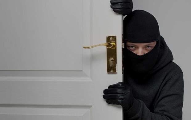 دزد آشنا طلاهای سرقتی را پس داد