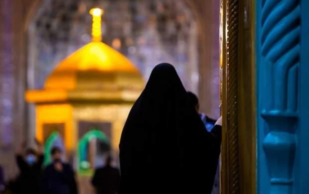 اقدام زیبای امام جماعت در حرم منور رضوی+تصویر