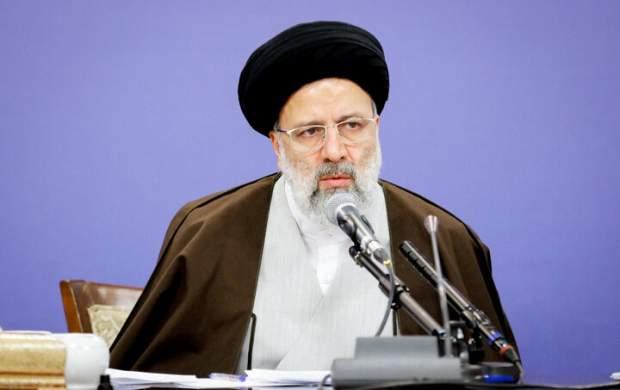 رئیسی: حتی یک روز را هم از دست نمیدهیم/ چند استان مانند خوزستان باید مورد توجه خاص قرار بگیرند/ برای خوزستان استاندار ویژه تعیین میکنیم/ باید به مردم اطمینان داد که خسارات جبران میشود/ سخن نگفتن و نقش ندادن به مردم را نمیپسندم