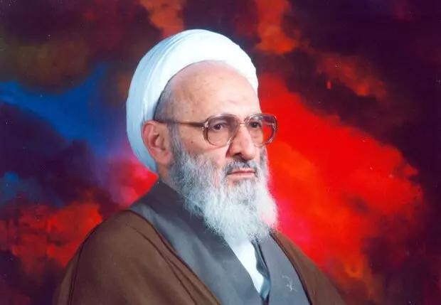 علامه حسنزاده آملی دار فانی را وداع گفتند/ گوشتان به دهان رهبری باشد