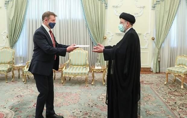 حقایق ایران را همانگونه که هست به مقامات خود منعکس کنید/ جمهوری اسلامی زیر بار زور نمی رود و هیچ حرف نادرست و برخلاف حق را نمی پذیرد