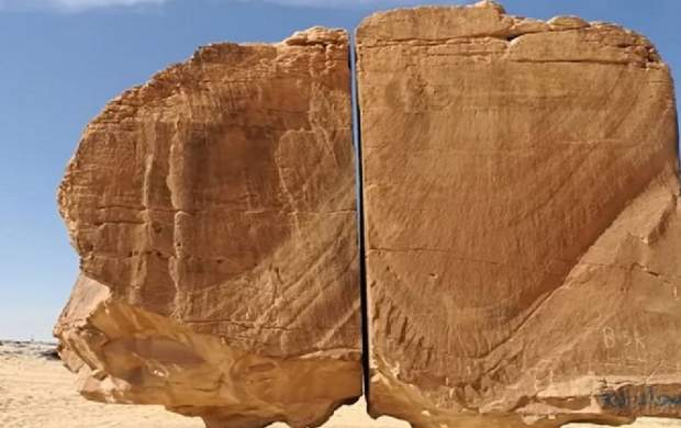 راز شکاف سنگ مرموز در صحرای عربستان! +عکس