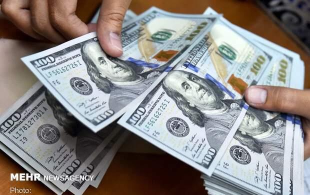 کاهش قیمت دلار و یورو در معاملات امروز